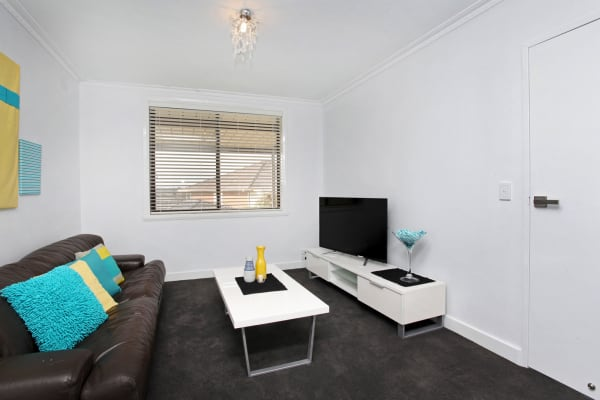 $185, Share-house, 6 bathrooms, Carrick Drive, Gladstone Park VIC 3043