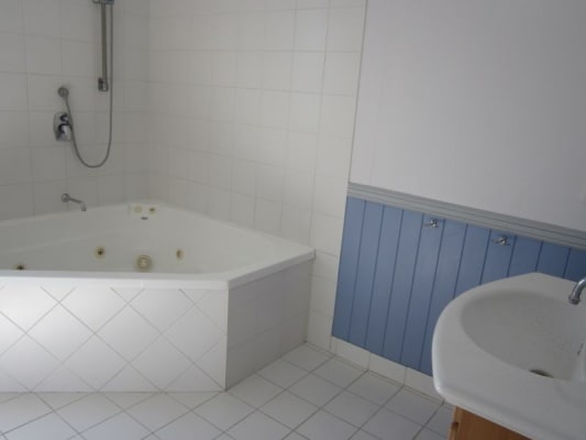 $165, Share-house, 3 bathrooms, Galway Street, Greenslopes QLD 4120