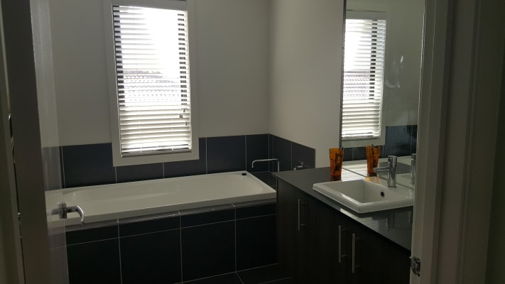 $190, Share-house, 3 bathrooms, May Gibbs Circle, Point Cook VIC 3030