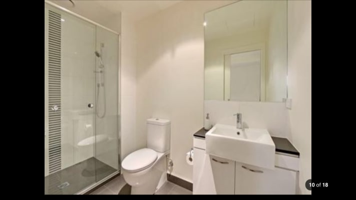 $235, Flatshare, 2 bathrooms, Manningham Street, Parkville VIC 3052