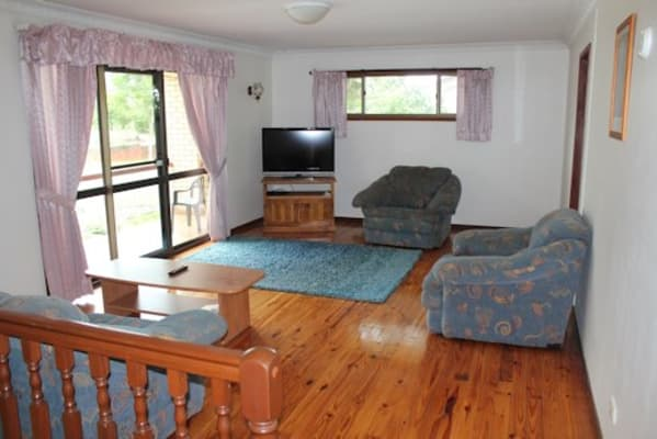 $140-150, Share-house, 2 rooms, Le Grand Street, MacGregor QLD 4109, Le Grand Street, MacGregor QLD 4109