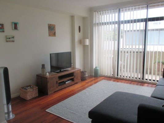 $235, Flatshare, 2 bathrooms, Daniels Street, Chippendale NSW 2008