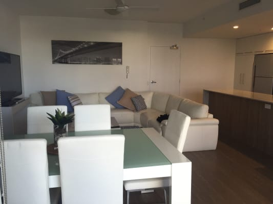 $250, Flatshare, 2 bathrooms, Railway Terrace, Milton QLD 4064