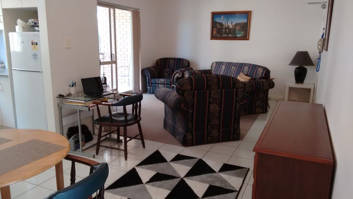 $215, Flatshare, 2 bathrooms, Baines Street, Woolloongabba QLD 4102