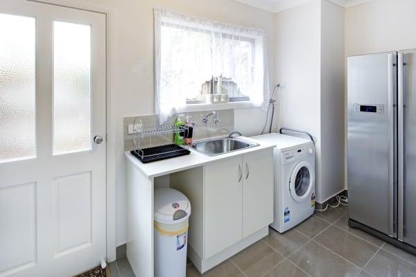 $290, Share-house, 5 bathrooms, Burwood Highway, Burwood VIC 3125