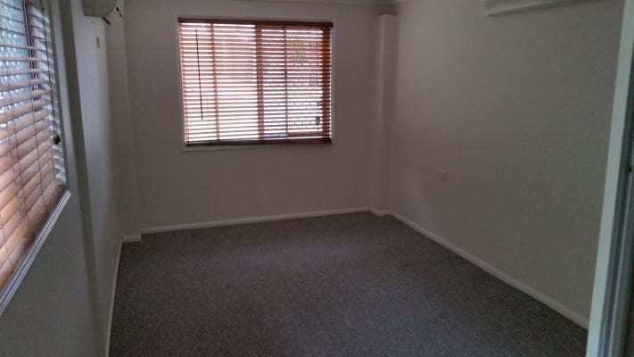 $150, Share-house, 4 bathrooms, Karrabin Street, Mitchelton QLD 4053