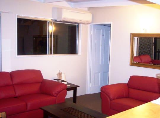$140, Share-house, 5 bathrooms, Gordon, Greenslopes QLD 4120
