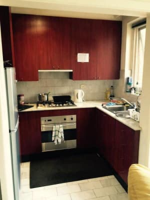 $160, Flatshare, 2 bathrooms, Toorak Road, South Yarra VIC 3141