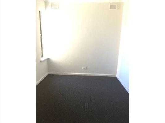 $320, Whole-property, 3 bathrooms, Henley Beach Road, Brooklyn Park SA 5032