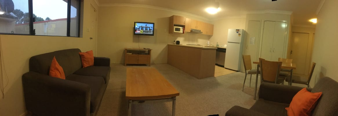$200, Student-accommodation, 1 bathroom, Tonga Place, Parkwood QLD 4214