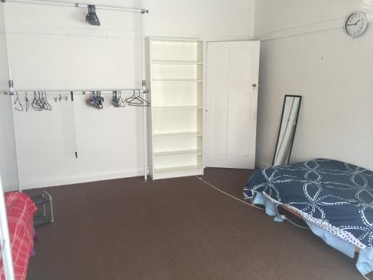 $180, Flatshare, 3 bathrooms, Lawson Street, Bondi Junction NSW 2022