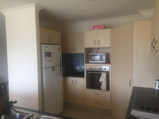 $220, Share-house, 5 bathrooms, Nineteenth Avenue, Palm Beach QLD 4221