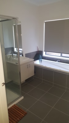 $200, Homestay, 3 bathrooms, Strathalbyn Chase, Wollert VIC 3750
