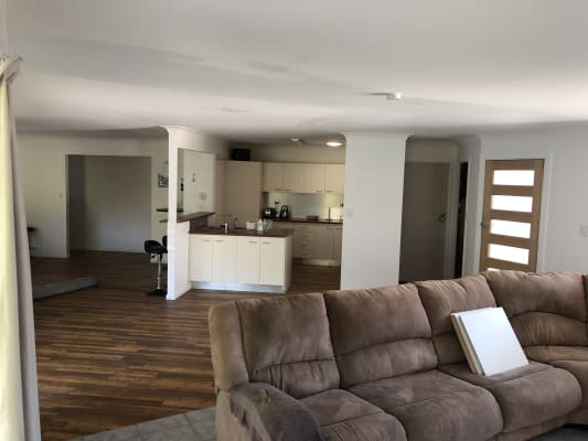 $300, Share-house, 4 bathrooms, Myrtle Court, Palm Beach QLD 4221
