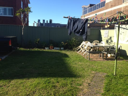 $300, Flatshare, 2 bathrooms, Fenton Avenue, Maroubra NSW 2035