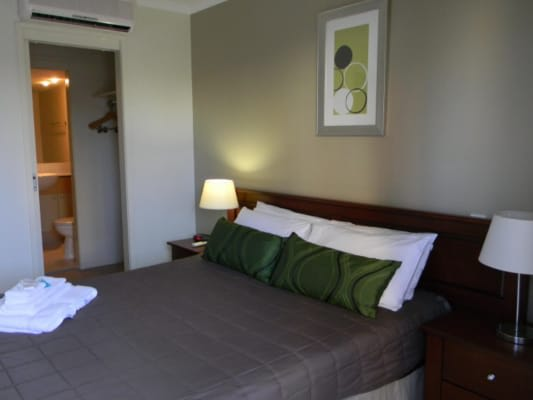 $250, Flatshare, 2 bathrooms, Cypress Avenue, Surfers Paradise QLD 4217