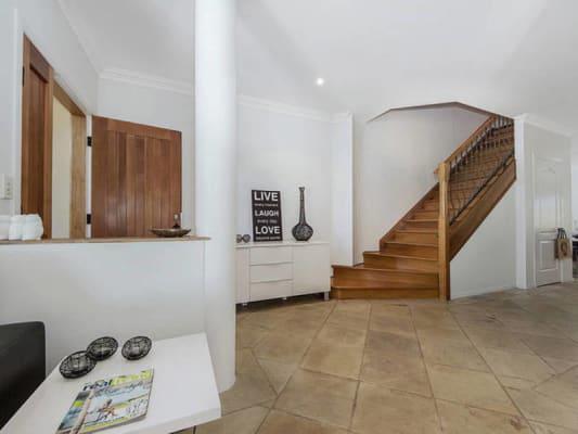 $375, Share-house, 3 bathrooms, Hilda Street, Mermaid Beach QLD 4218