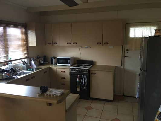 $140, Share-house, 3 bathrooms, Walsh Street, Harlaxton QLD 4350