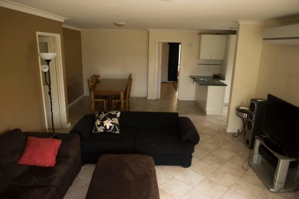 $130, Share-house, 4 bathrooms, Sporing Way, Hillarys WA 6025