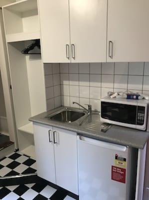 $300, Share-house, 6 bathrooms, Flinders Street, Darlinghurst NSW 2010