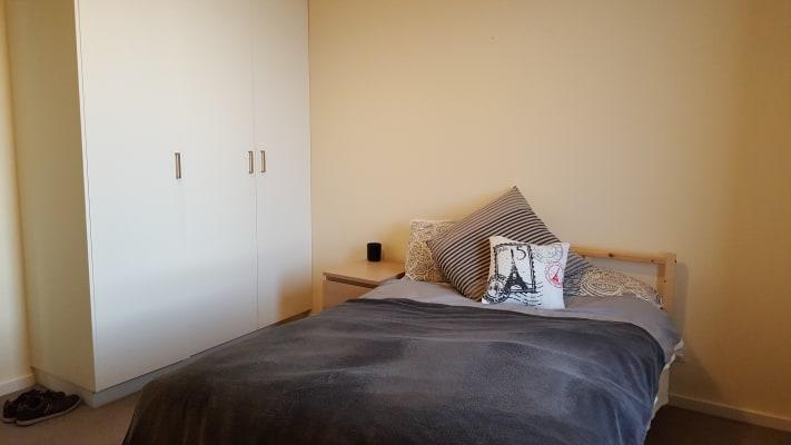 $290, Flatshare, 2 bathrooms, High Street, Malvern VIC 3144