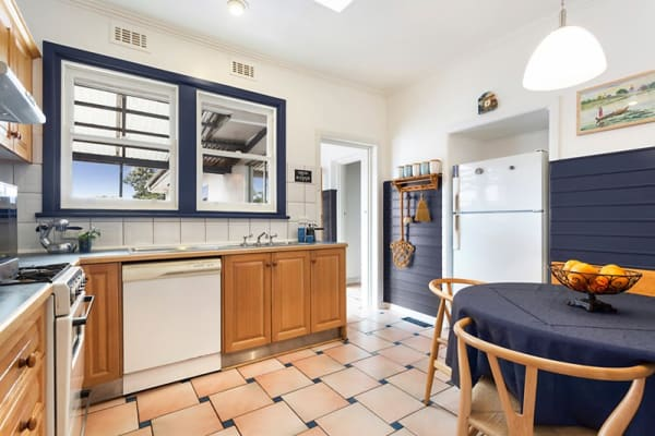 $180, Share-house, 4 bathrooms, Beverley Crescent, Blackburn VIC 3130