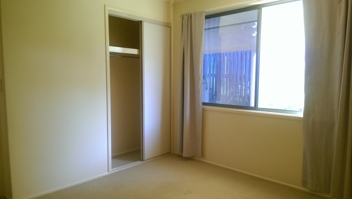 $165, Share-house, 4 bathrooms, Bellflower Place, Calamvale QLD 4116