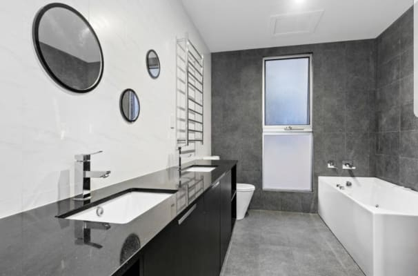 $240, Share-house, 5 bathrooms, Power Street, Norman Park QLD 4170
