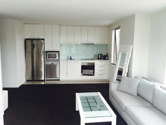 $250, Flatshare, 2 bathrooms, Lansdowne Road, Saint Kilda East VIC 3183