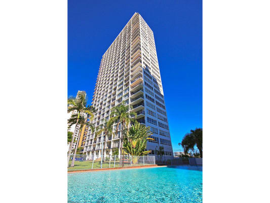 $135, Flatshare, 3 bathrooms, Riverview Parade, Surfers Paradise QLD 4217