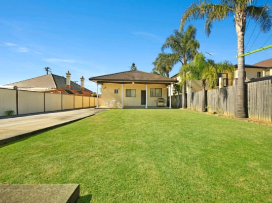 $220, Share-house, 5 bathrooms, Hill Street, Carlton NSW 2218