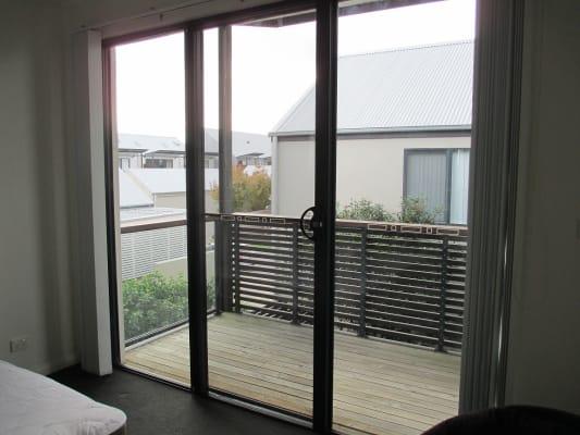 $220, Share-house, 4 bathrooms, Howden Street, Carrington NSW 2294