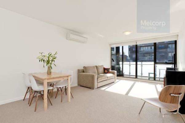 $300, Flatshare, 2 bathrooms, Young Street, Fitzroy VIC 3065