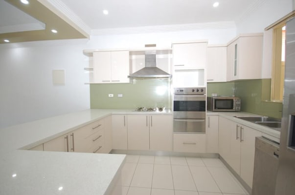 $184, Share-house, 3 bathrooms, President Avenue, Caringbah NSW 2229