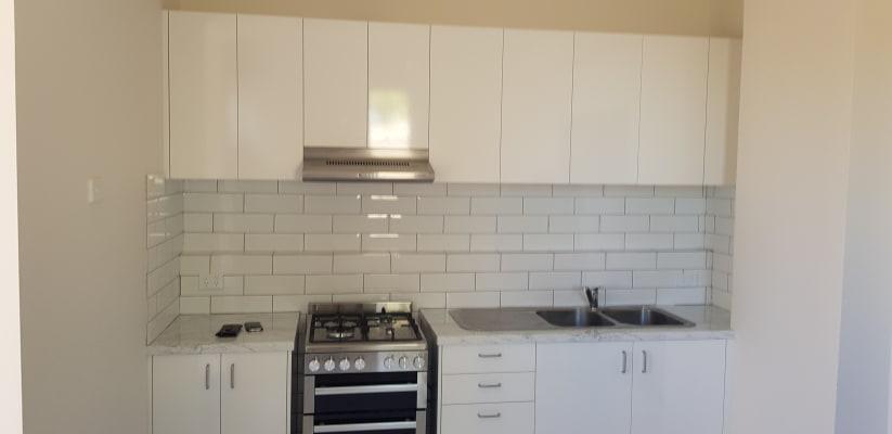 $350, 1-bed, 1 bathroom, Tram Road, Doncaster VIC 3108