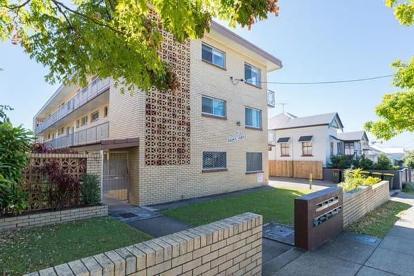 $180, Share-house, 3 bathrooms, Harcourt Street, New Farm QLD 4005