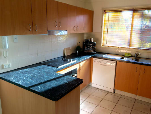 $180, Share-house, 3 bathrooms, Oxley Drive, Coombabah QLD 4216