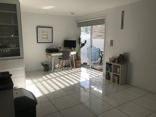 $166, Flatshare, 3 bathrooms, Gold Coast Highway, Burleigh Heads QLD 4220