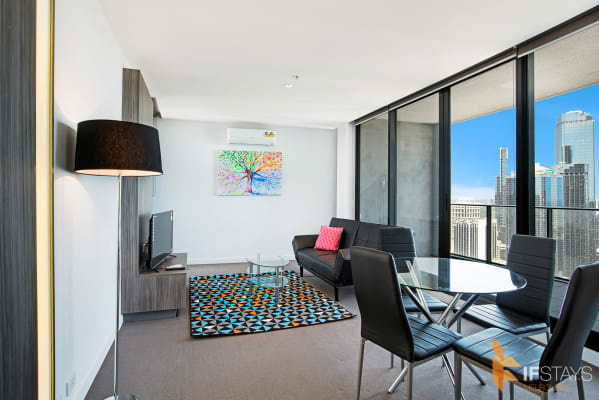 $815, Whole-property, 2 bathrooms, Spencer Street, Melbourne VIC 3000