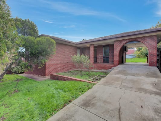 $140, Share-house, 3 bathrooms, Haseldene Drive, Christie Downs SA 5164