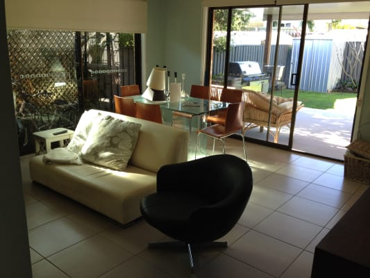 $180, Share-house, 2 bathrooms, Chainey Avenue, Miami QLD 4220