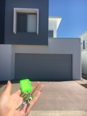 $250, Share-house, 3 bathrooms, Azure Way, Hope Island QLD 4212