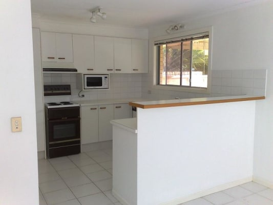 $150, Share-house, 5 bathrooms, Peninsular Drive, Surfers Paradise QLD 4217