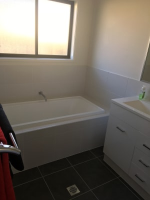 $135, Share-house, 3 bathrooms, Masters Avenue, Norman Gardens QLD 4701