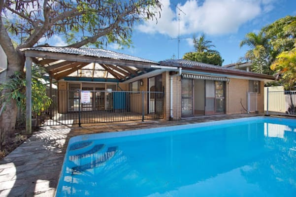 $220, Share-house, 4 bathrooms, Gibraltar Drive, Surfers Paradise QLD 4217