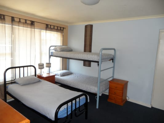 $510, Studio, 1 bathroom, Dalgety Street, Saint Kilda VIC 3182
