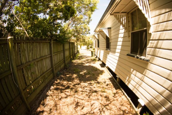 $184, Share-house, 3 bathrooms, Norman Street, East Brisbane QLD 4169