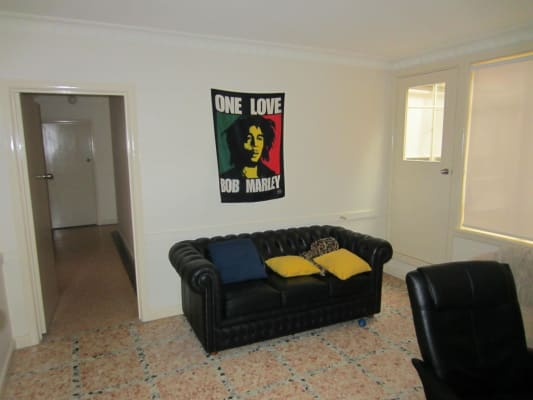 $185, Flatshare, 5 bathrooms, Station Street, Fairfield VIC 3078