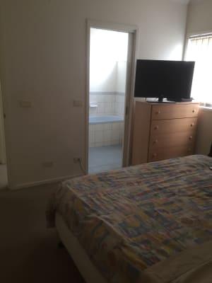 $250, Share-house, 3 bathrooms, Mercantile Parade, Kensington VIC 3031