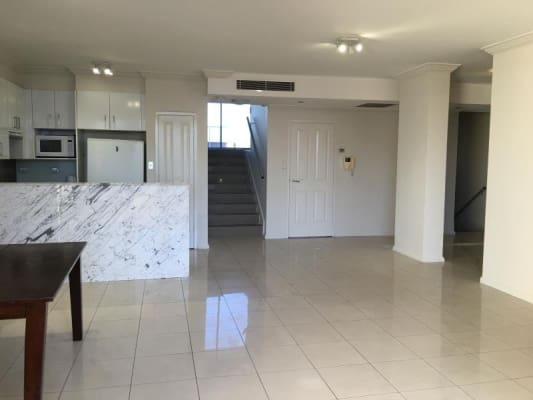 $350, Flatshare, 4 bathrooms, Crystal Street, Waterloo NSW 2017